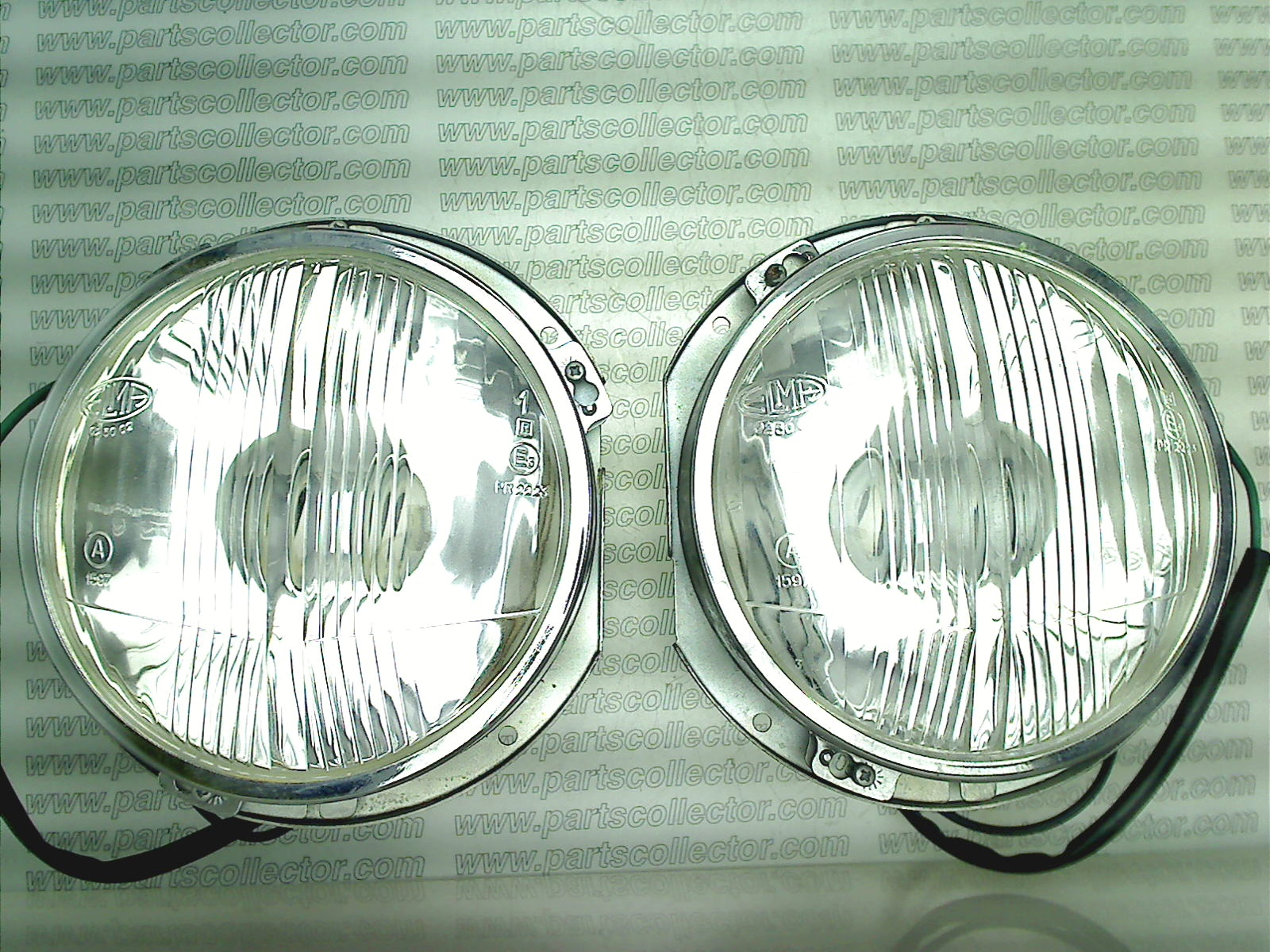PAIR OF DEEP BEAM HEADLIGHTS LH+RH