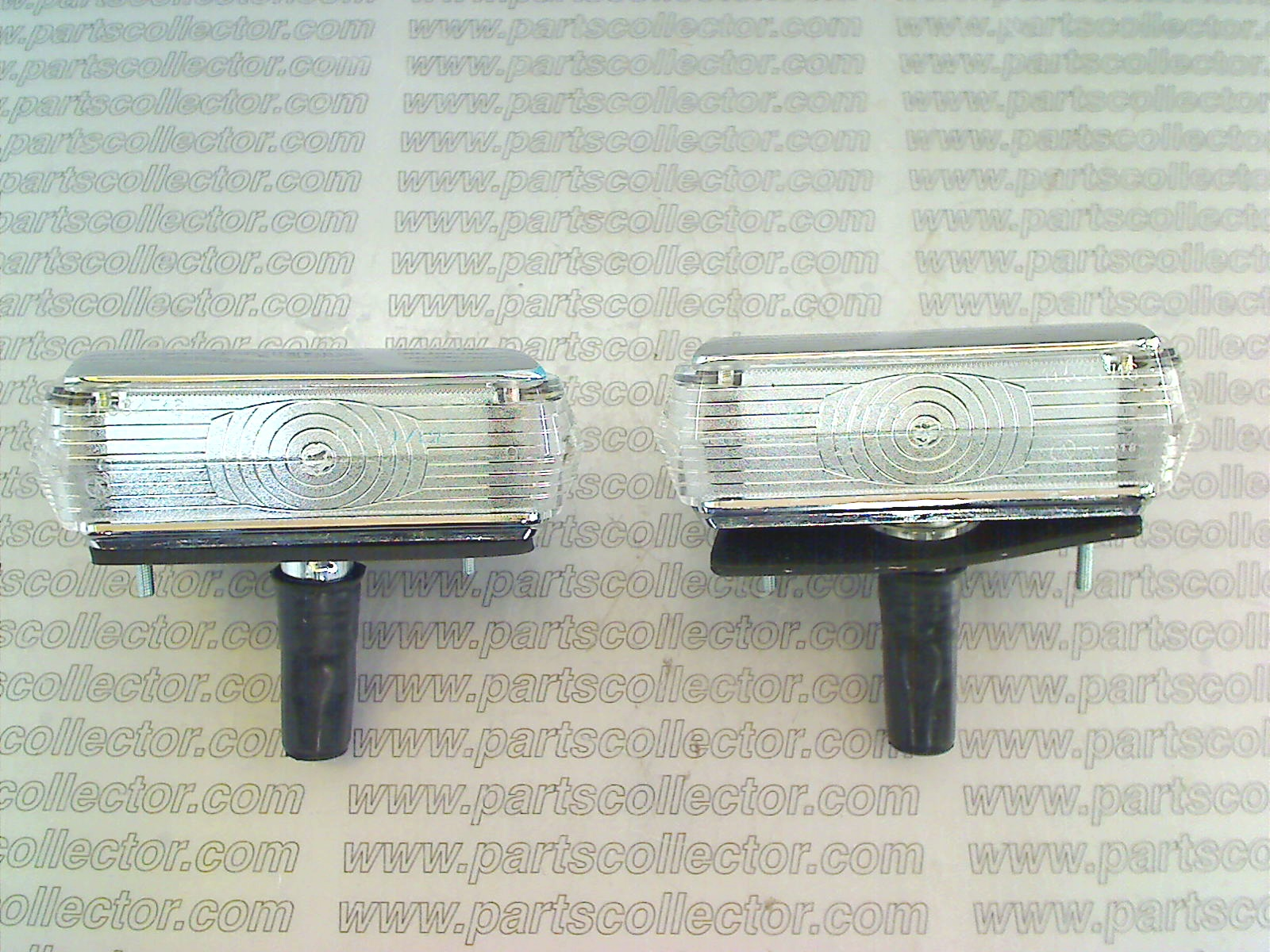 PAIR OF TURN SIGNAL OR REVERSE LIGHT LHRH