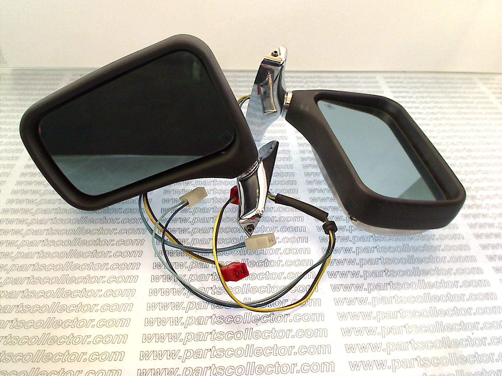 PAIR OF SIDE MIRRORS