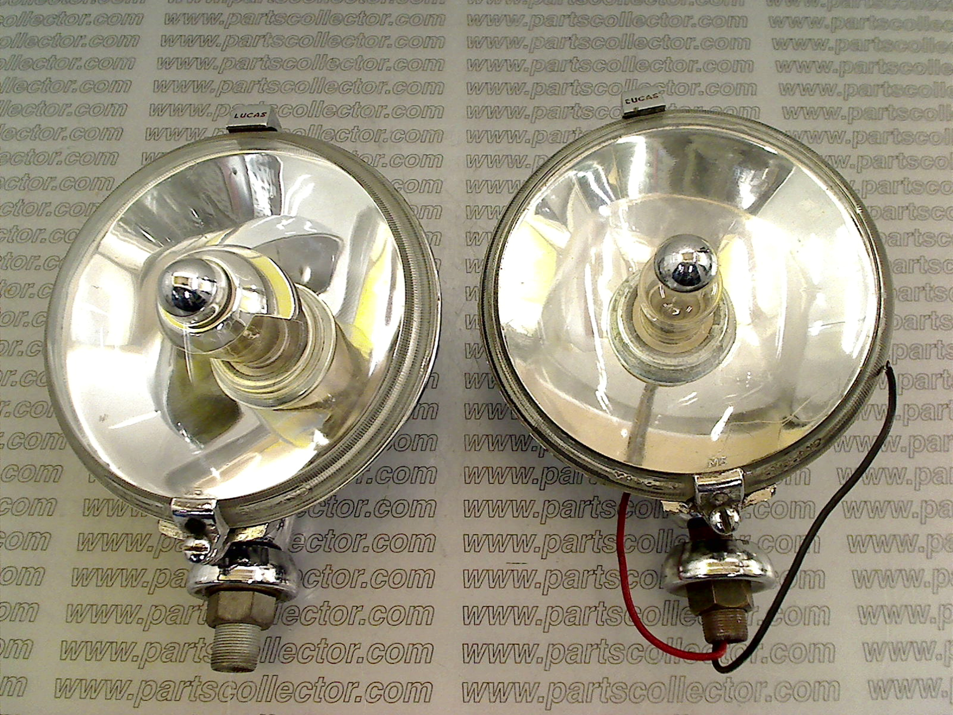 PAIR OF DEEP BEAM LIGHTS